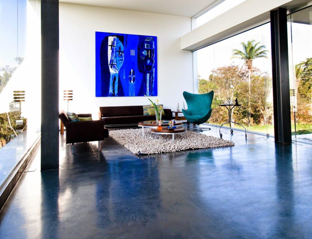 dark blue coloured microcement floor