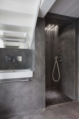 microcement glamour bathroom
