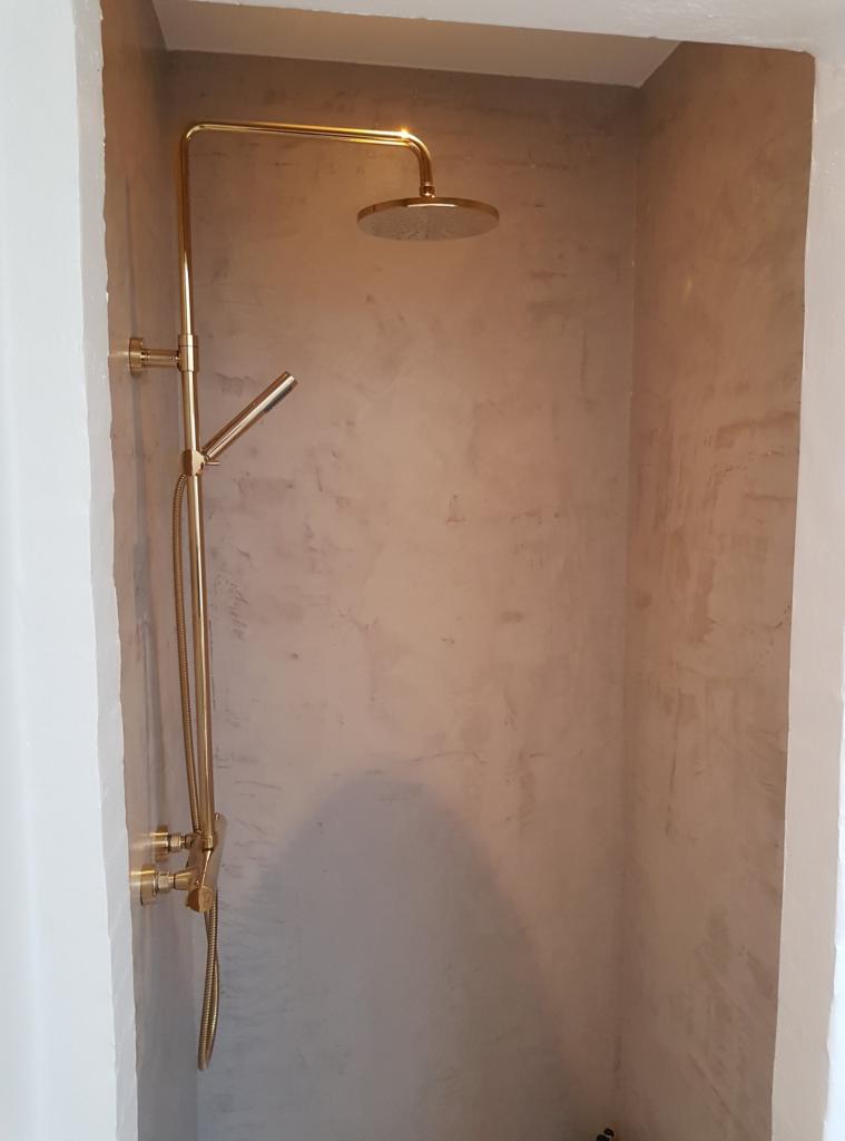 microcement shower cabin