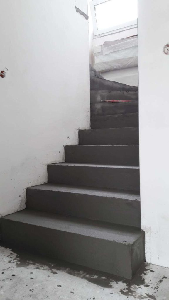 microconcrete to cover stairs