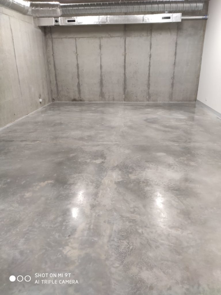 Microcement floor in a museum
