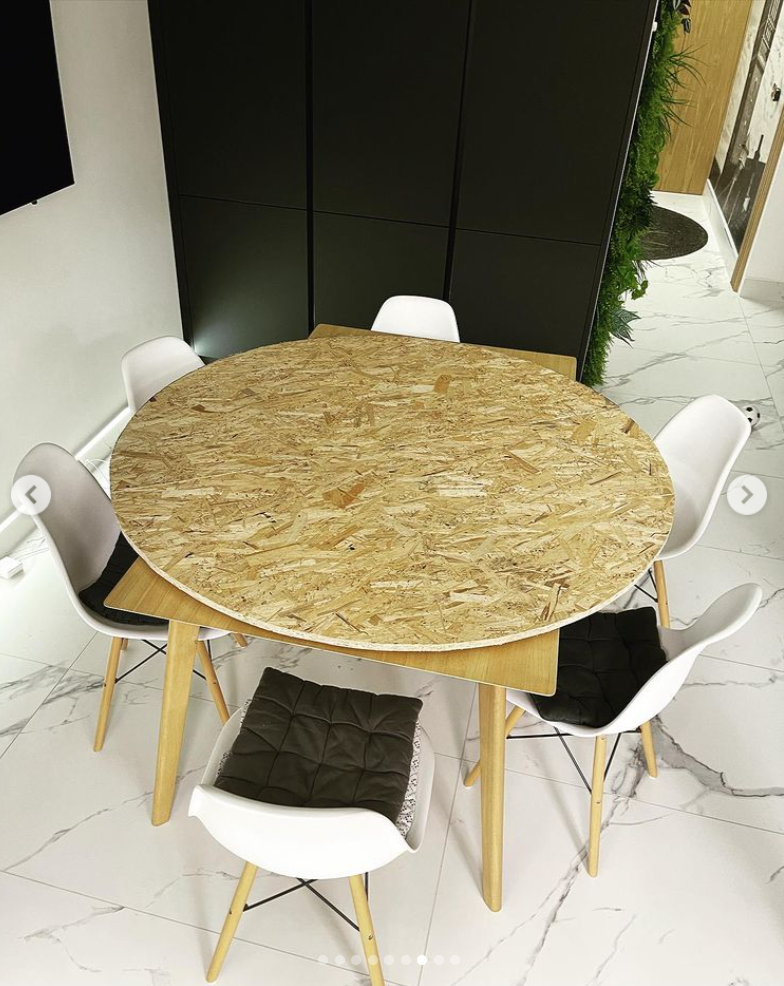 table with microcement top - concrete DIY